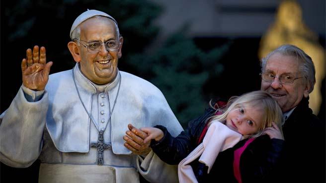 POPE-STATUE.jpg