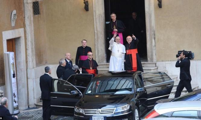 pope_car.jpg