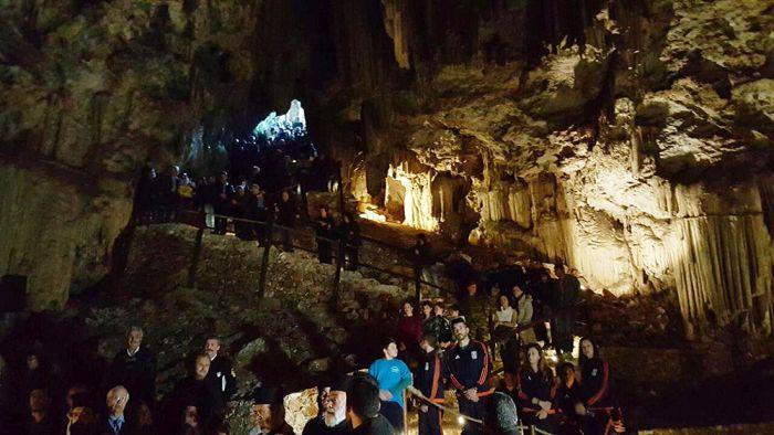 σπηλαίου μελιδονίου