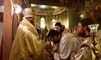 νέος κληρικός