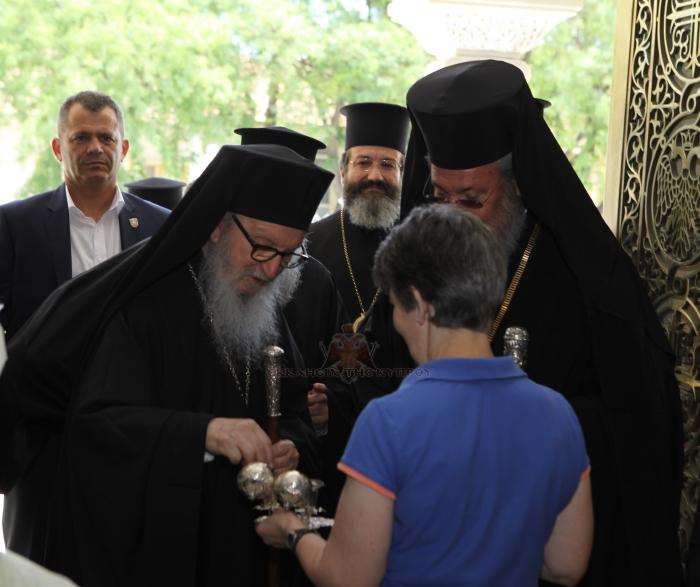 Ο-Αμερικής-Δημήτριος-στην-Ιερά-Αρχιεπισκοπή-Κύπρου-12.7.2016-1