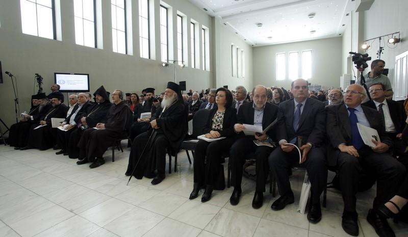 08/06: Παρουσία του Αρχιεπισκόπου Αθηνών και πάσης Ελλάδος κ. Ιερωνύμου πραγματοποιήθηκε η εκδήλωση του Πατριαρχείου Ιεροσολύμων για την αποκατάσταση του Ιερού Κουβουκλίου του Παναγίου Τάφου.
