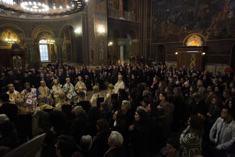 12/03: Χειροτονία Μητροπολίτη Καρπενησίου Γεωργίου στον ιερό ναό Αγίου Διονυσίου Αρεοπαγίτη.