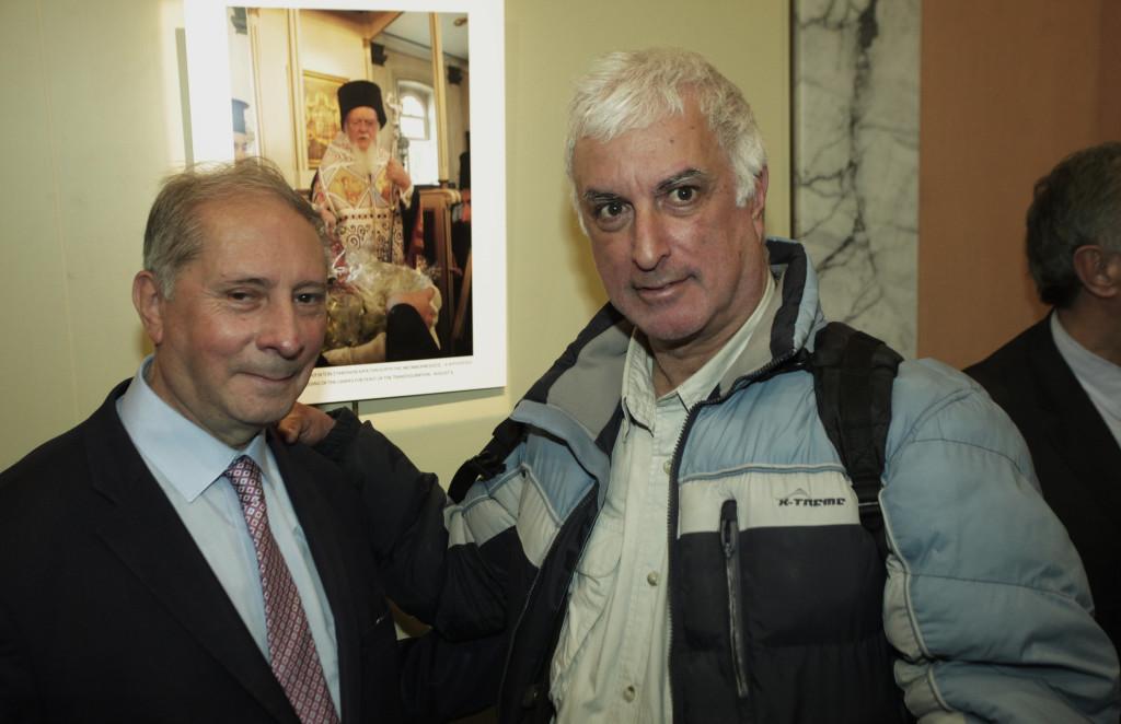 Ο φωτογράφος του Οικουμενικού Πατριαρχείου Νίκος Μαγγίνας και ο φωτογράφος της ιεράς Αρχιεπισκοπής Αθηνών Χρήστος Μπόνης.