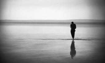 μόνος