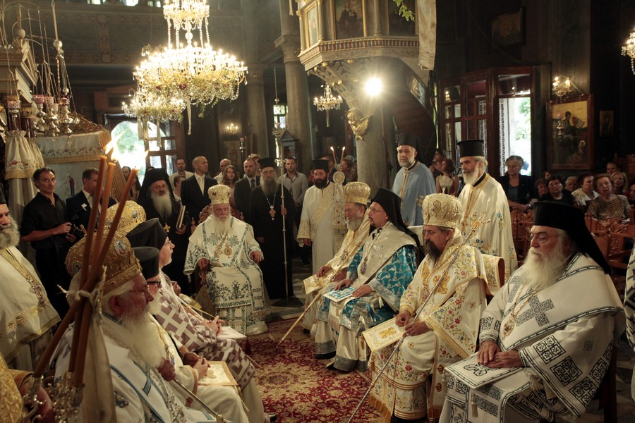 15/08: Ο Αρχιεπίσκοπος στον ιερό ναό μεγάλης Παναγίας Θηβών,.