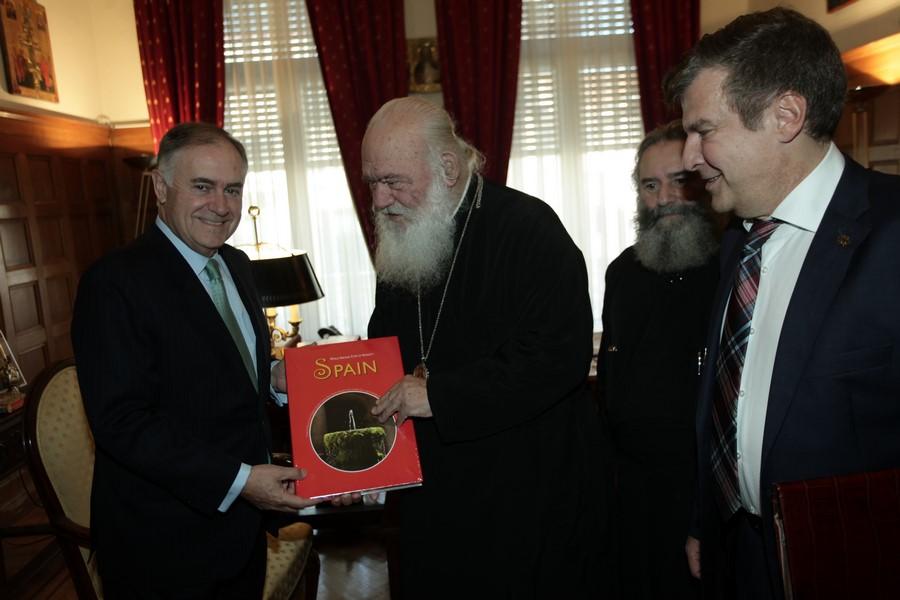 23/11: Ο Πρέσβης της Ισπανίας στον Αρχιεπίσκοπο.