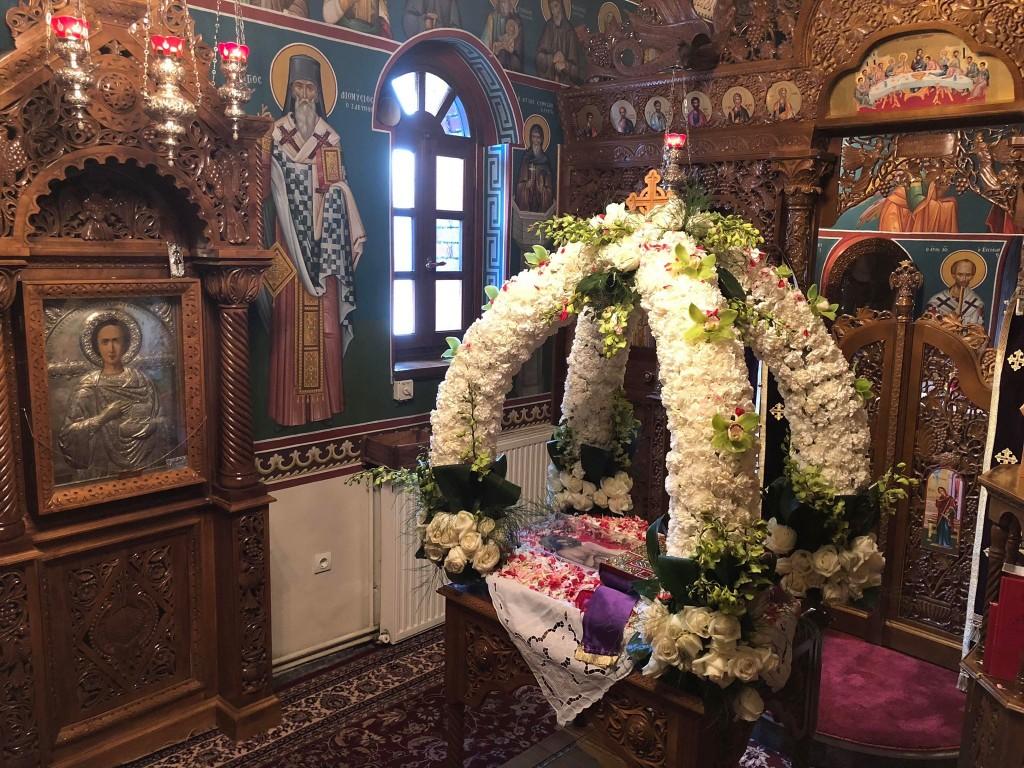 Επιτάφιος στην Ιερά ανδρώα κοινοβιακή Μονή Αγίου Παντελεήμονος Πετρουπόλεως